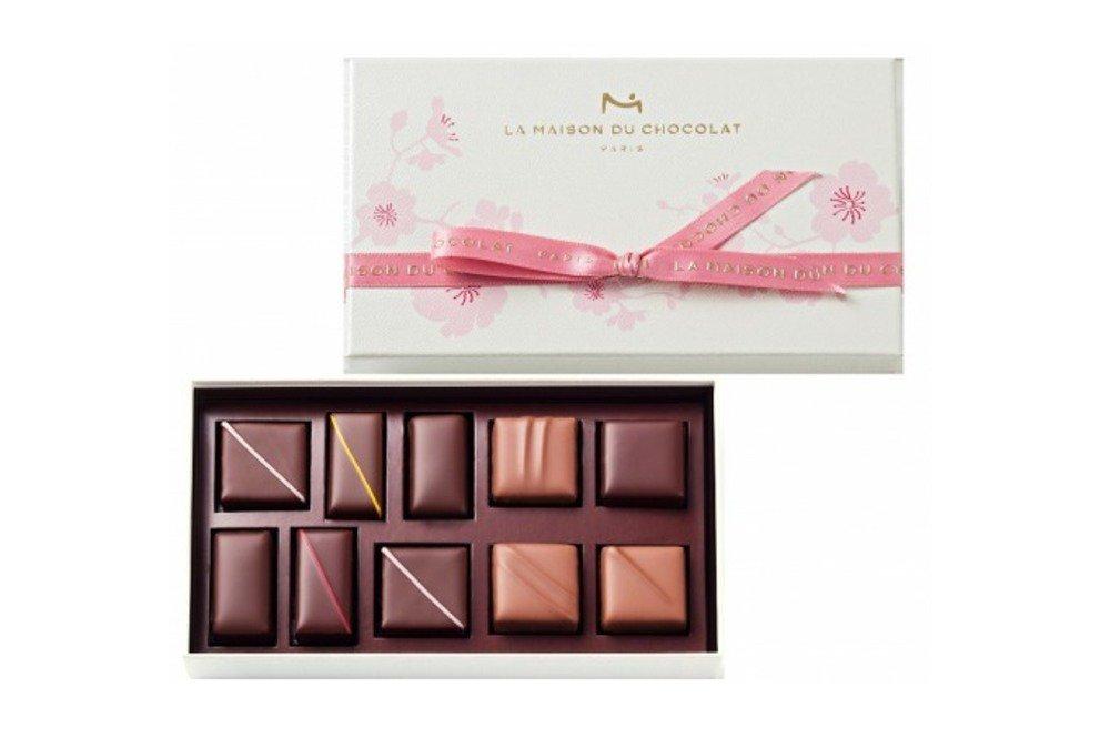 """ラ・メゾン・デュ・ショコラの春の新作、""""桜""""の香るショコラや""""花びら""""型チョコをのせたエクレール -"""