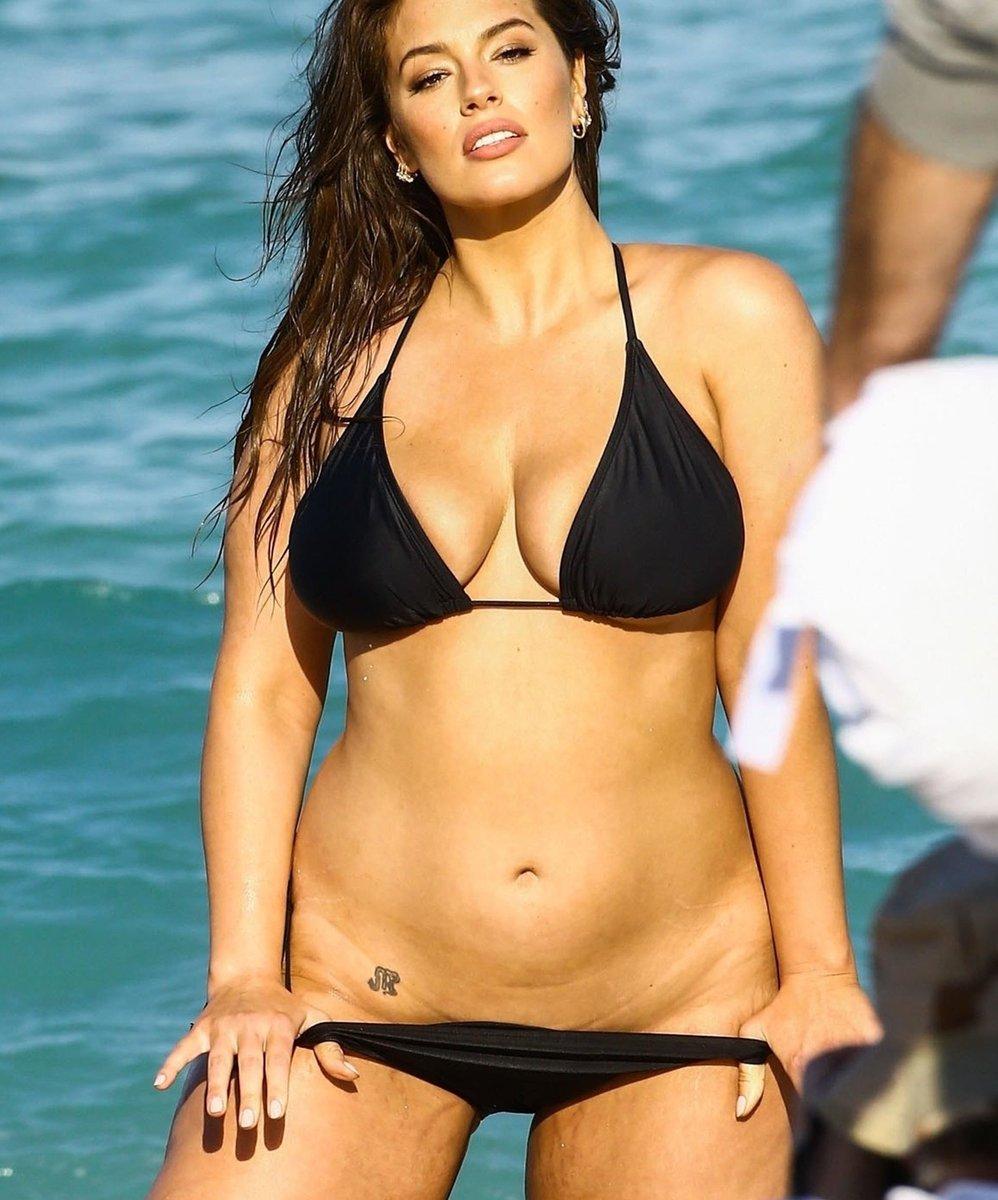 Ass bikini big Pretty Little