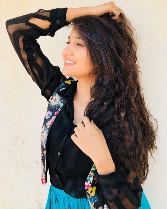 Ashi Singh  IMAGES, GIF, ANIMATED GIF, WALLPAPER, STICKER FOR WHATSAPP & FACEBOOK