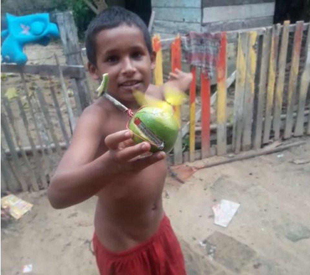 Com pilha de controle remoto e laranja, menino de 10 anos cria helicóptero no Acre: 'quero ser mecânico de aeronaves' https://t.co/PujeCeOPL0 #G1