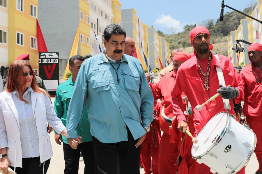 #NOTICIA Presidente @NicolasMaduro entrega la vivienda 2 millones https://t.co/ScJbpD08Yp https://t.co/mp9teRCs2i
