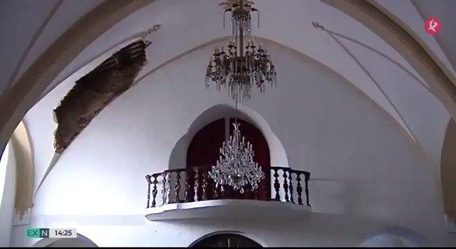 ⛪️Afortunadamente, pasó de noche y no dañó a nadie. Un trozo de la bóveda de la iglesia de La Granja de Torrehermosa se ha derrumbado. De momento, permanecerá cerrada en Semana Santa. #EXN https://t.co/xcLLv73PwT