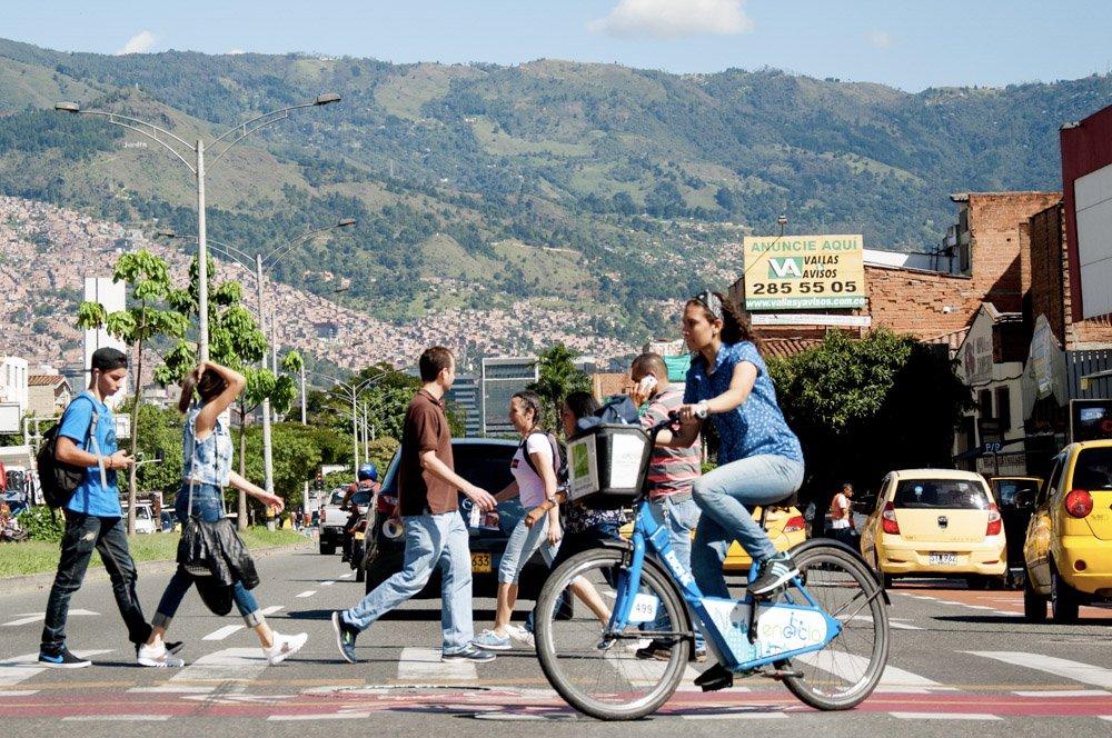 ¡Comienza esta semana moviéndote en bici...