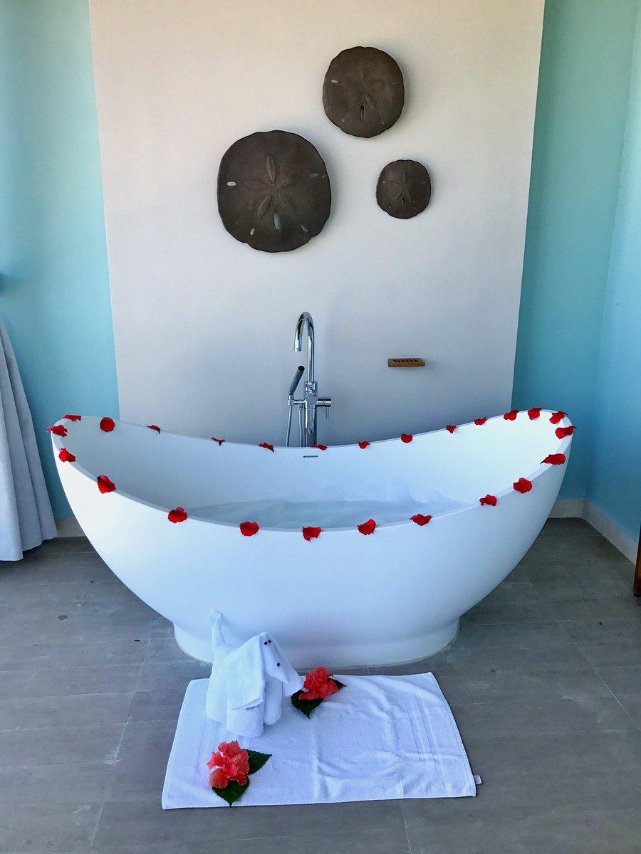 Morning #bath goals be like........... @SandalsResorts #luxurytravel #luxuryresort