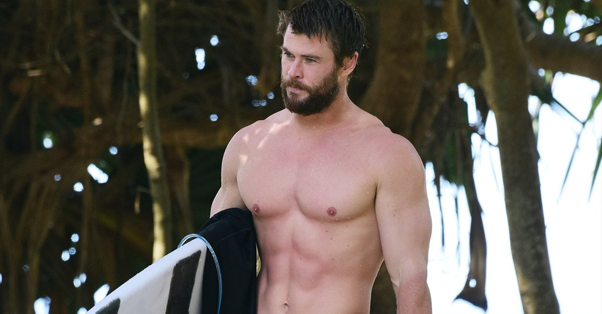It's the #firstdayofspring so here's a reminder that soon we'll be seeing @chrishemsworth shirtless a LOT. Bring on the heat! https://t.co/dOIp5txrLI 🔥