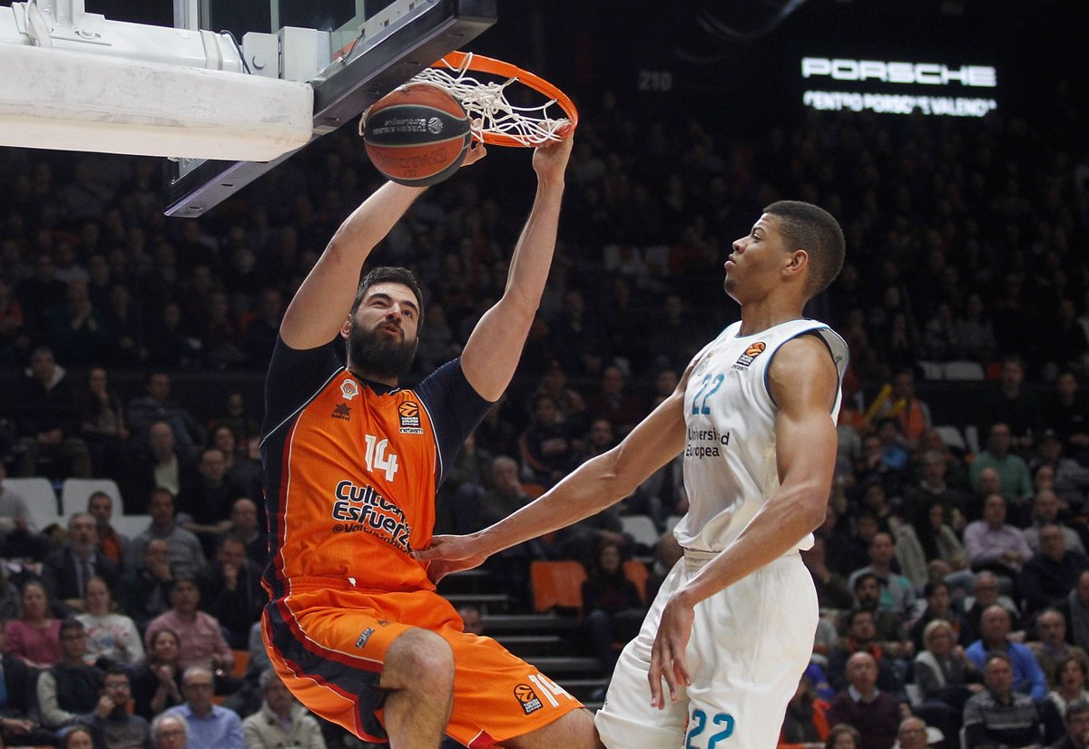 Watch the highlights of @valenciabasket v @RMBaloncesto   👀https://t.co/6668z02min