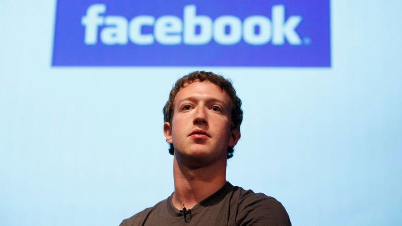 Facebook shareholder files class-action lawsuit over Cambridge Analytica scandal fallout https://t.co/bQ2cCtQaBn