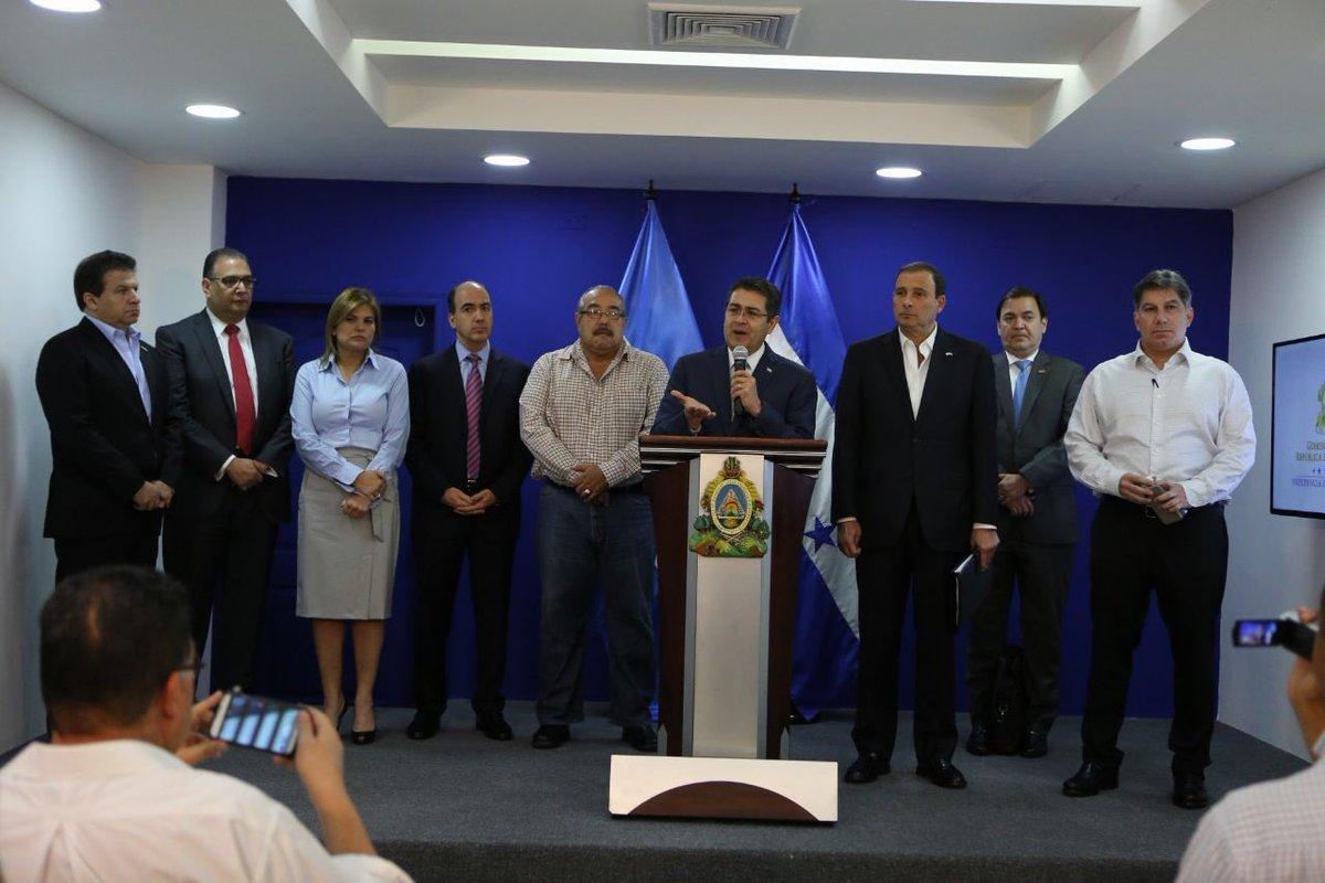 Juan Orlando H.'s photo on Congreso