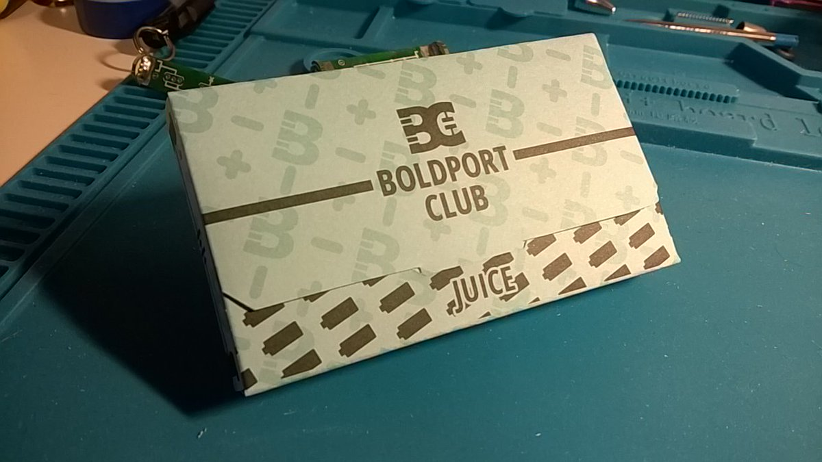 It's a pity to cut the nice cardboard sheet. But hey: Storage box for #BoldportClub #Juice 😉😊