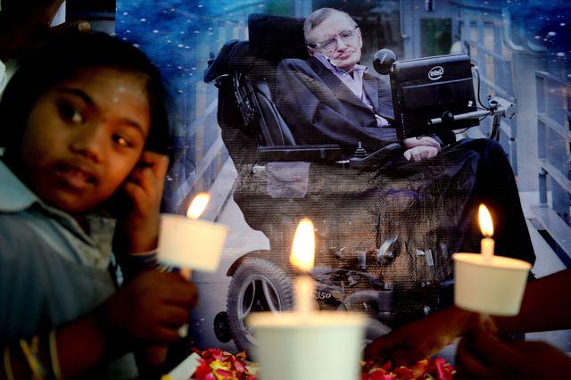 Restos de Hawking descansarán junto a Newton y Darwin https://t.co/gFvP0hwhZC