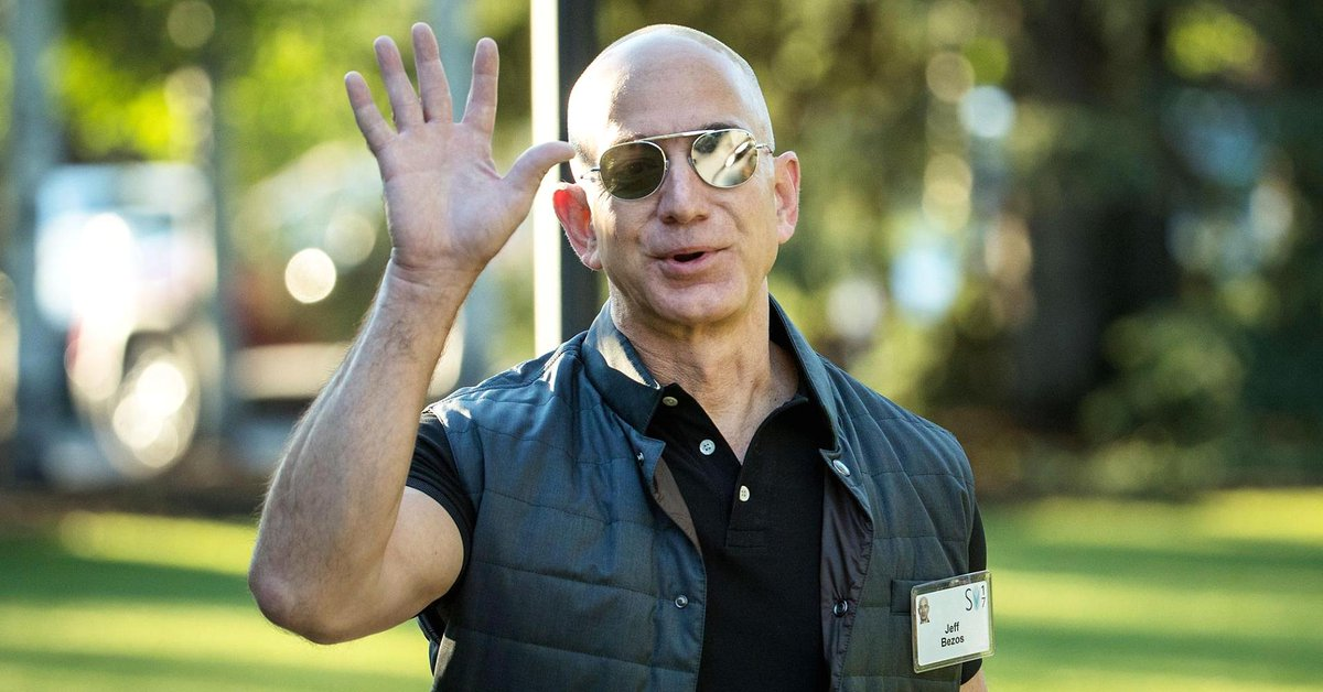 Amazon just passed Alphabet to become the world's second most valuable company https://t.co/t3s4J3CzZA