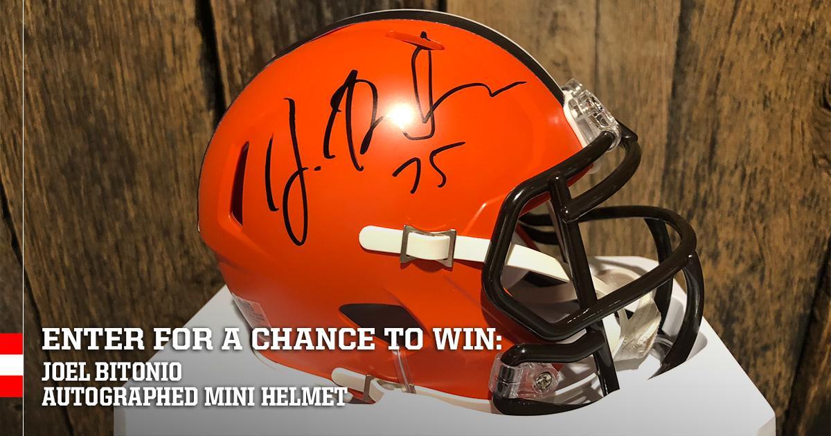 Enter for a chance to win a mini helmet autographed by Joel Bitonio » https://t.co/CKHOhqle99