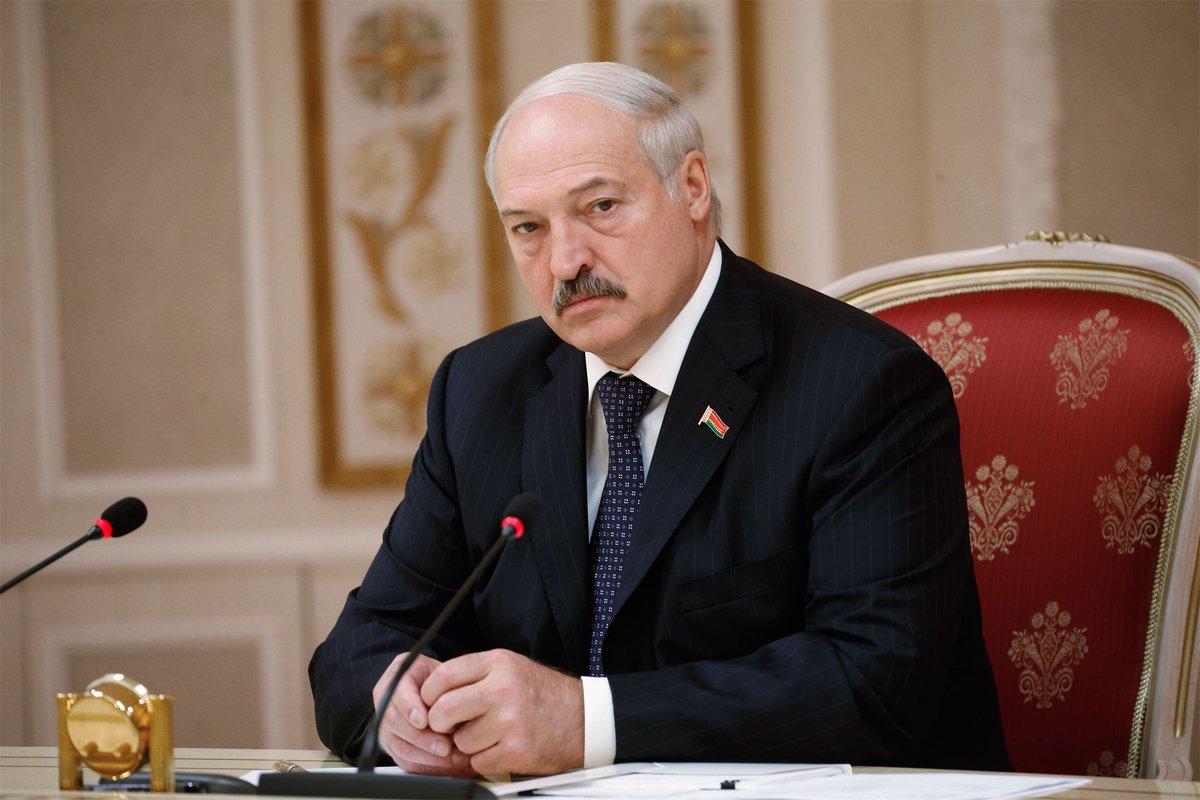 'Пожалел, что время потратил'. Лукашенко оценил 'Матильду' и 'Смерть Сталина': https://t.co/5YPXJThmYi