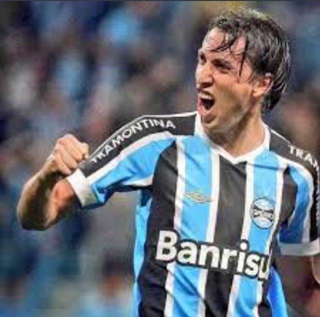 Dia de Grêmio e nóis tá como https://t.c...