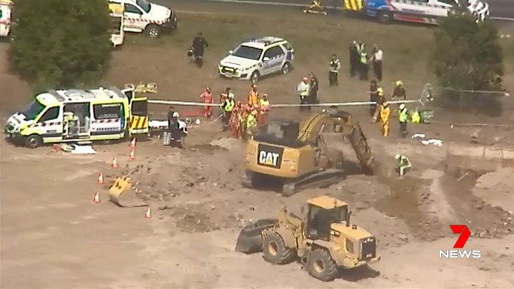One man is dead and another has been rescued from a collapsed trench at Ballarat. https://t.co/4v7C0hQevk #7News