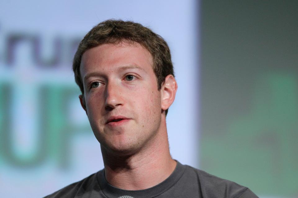 Plunging stocks push net worths of Larry Ellison and Mark Zuckerberg down several billion each https://t.co/mqlUrdoUe7