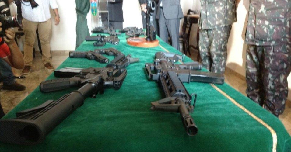 Exército entregará 100 fuzis semelhantes ao AR-15 para polícias do Rio https://t.co/4UPNPMSrMR