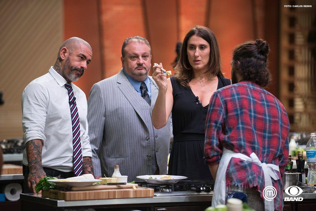 Uma simples omelete pode ser o verdadeiro terror na cozinha! Veja como foi o terceiro episódio:  https://t.co/vjrNccriMs #MasterChefBR