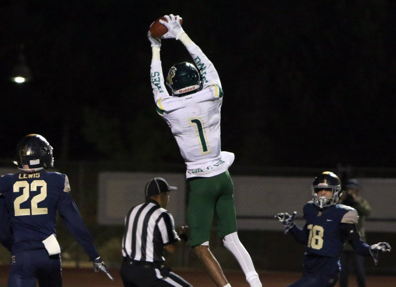 Major news on the transfer front , WR Darren Jones has transferred from Cajon to Diamond Ranch, Panthers HD Eric Martinez confirmed. Jones had 102 catches, 2,094 yards, 28 TDS. Also very good basketball player.