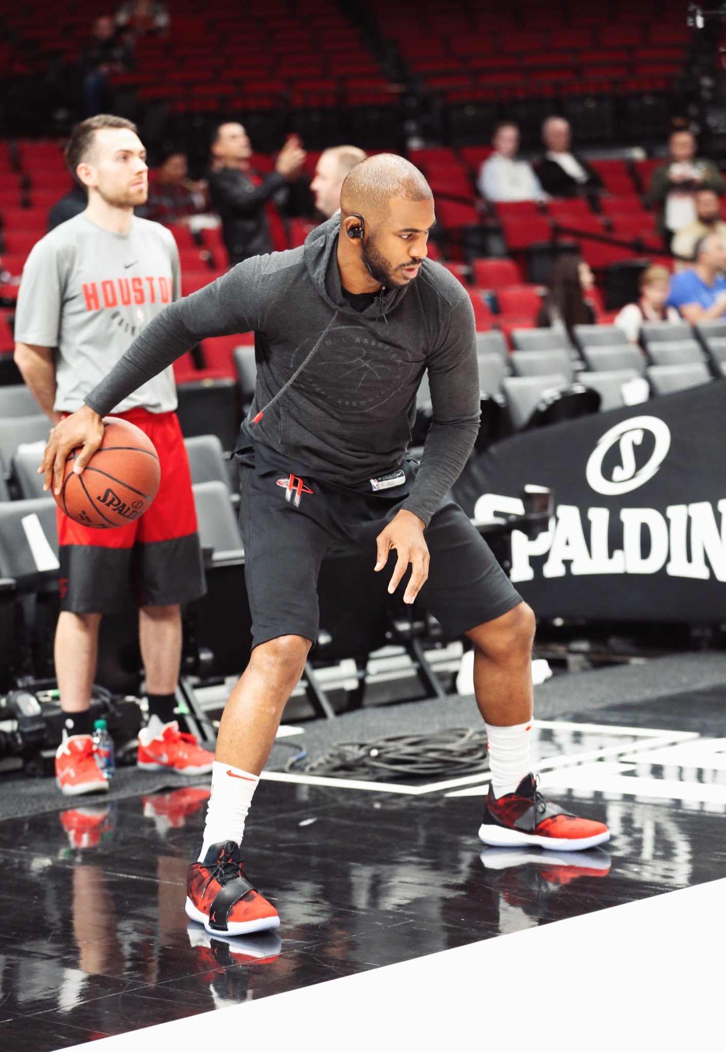 .@CP3 getting ready in Portland with some new heat ➡️ Rocket Fuel CP3 XI https://t.co/pUPpYWsxxh