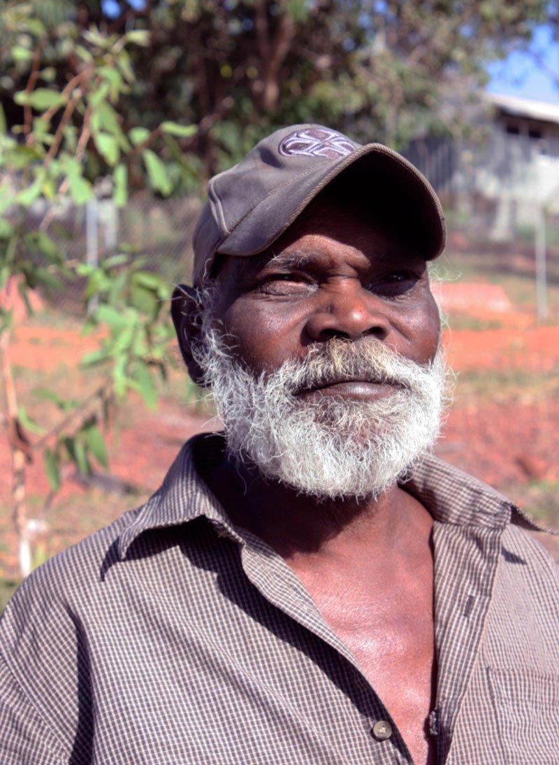 Honouring the life and achievements of renowned sculptor Nawurapu Wunuŋmurra #yolngupower #bukularrngaymulka #yirrkala. Our tribute by Will Stubbs now online: https://www.artlink.com.au/articles/4664/nawurapu-wunuC58Bmurra/…pic.twitter.com/q4ISlcxjyM