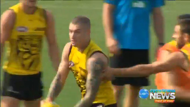 Image for the Tweet beginning: An undermanned @Richmond_FC team has