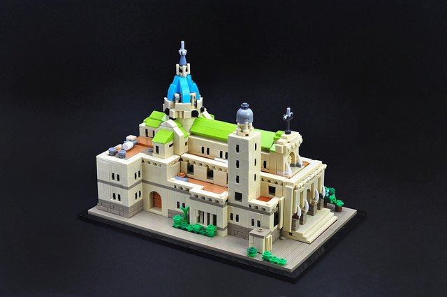 &quot;Tiny #LEGO version of Manila #Cathedral&quot; | This #Microscale Manila #Cathedral by Gerald Cacas is worthy of a little worship. -  https://www. brothers-brick.com/2018/03/21/tin y-lego-version-of-manila-cathedral/ &nbsp; …  | #Architecture #Models<br>http://pic.twitter.com/jLk2IzCiwy