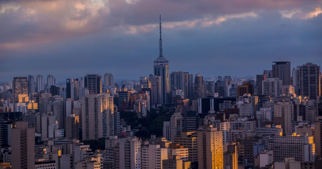 THE NEW YORK TIMES -  Update: Thinking of Going to Brazil? You Will Need a Yellow Fever Vaccination  http:// dlvr.it/QLqVdl  &nbsp;   #PaginaNuova #Press  http://www. paginanuova.it / &nbsp;  <br>http://pic.twitter.com/SRKnWfgcgd