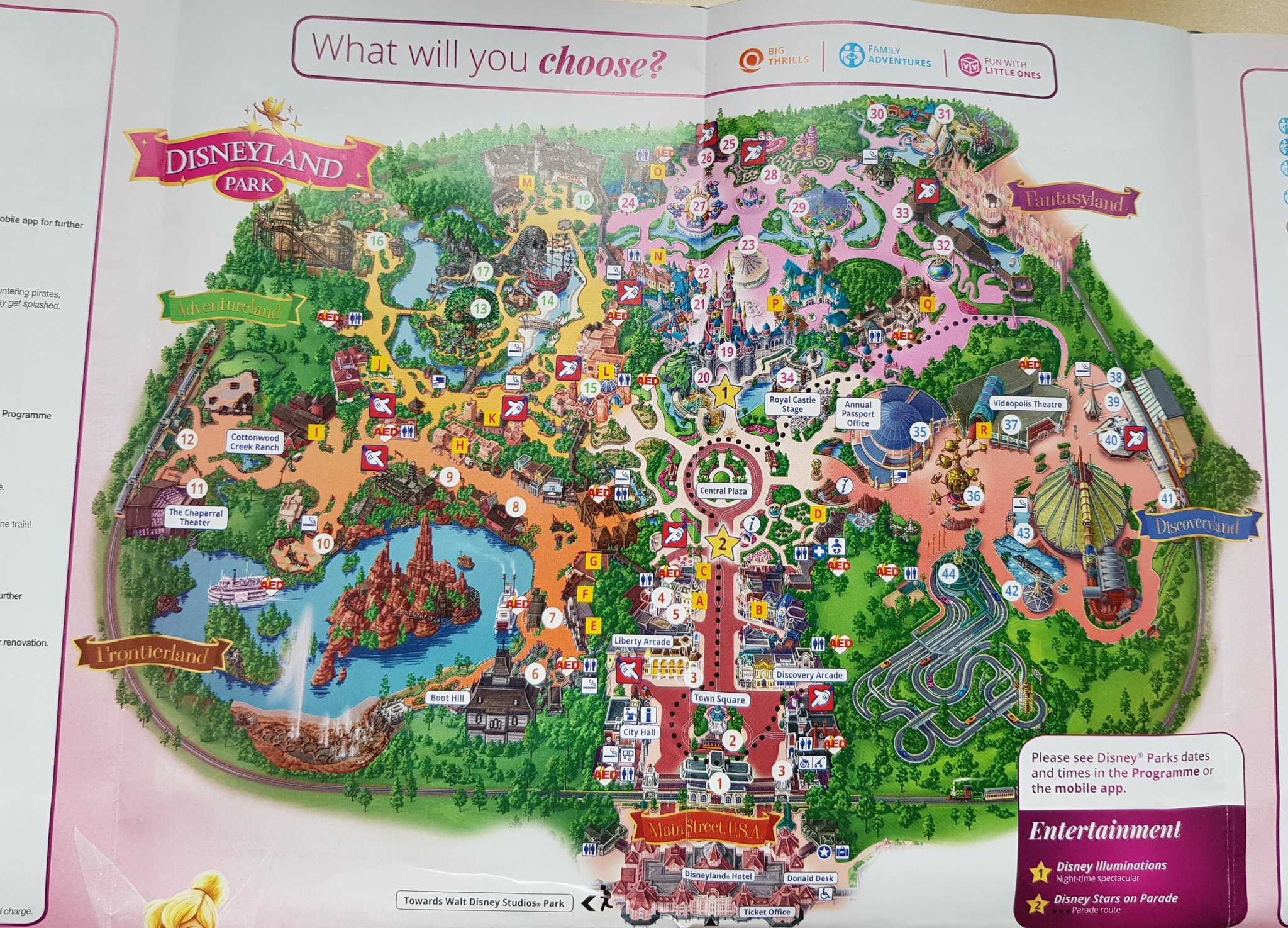Disneyland Paris Karte 2018.Salon Mickey On Twitter A New Park Map Has Been Launched