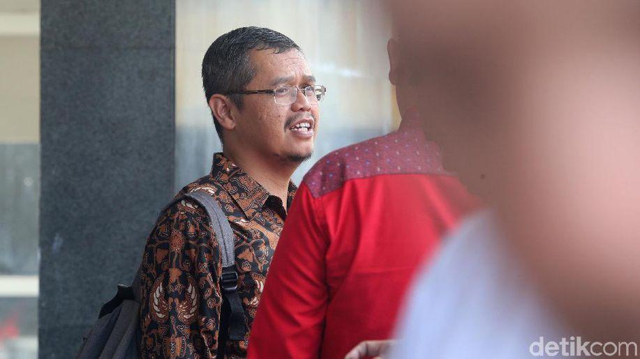 Hakim Cabut Hak Politik Politikus PKS Yudi Widiana https://t.co/5IHHYoaOkg https://t.co/4jCiJYR302