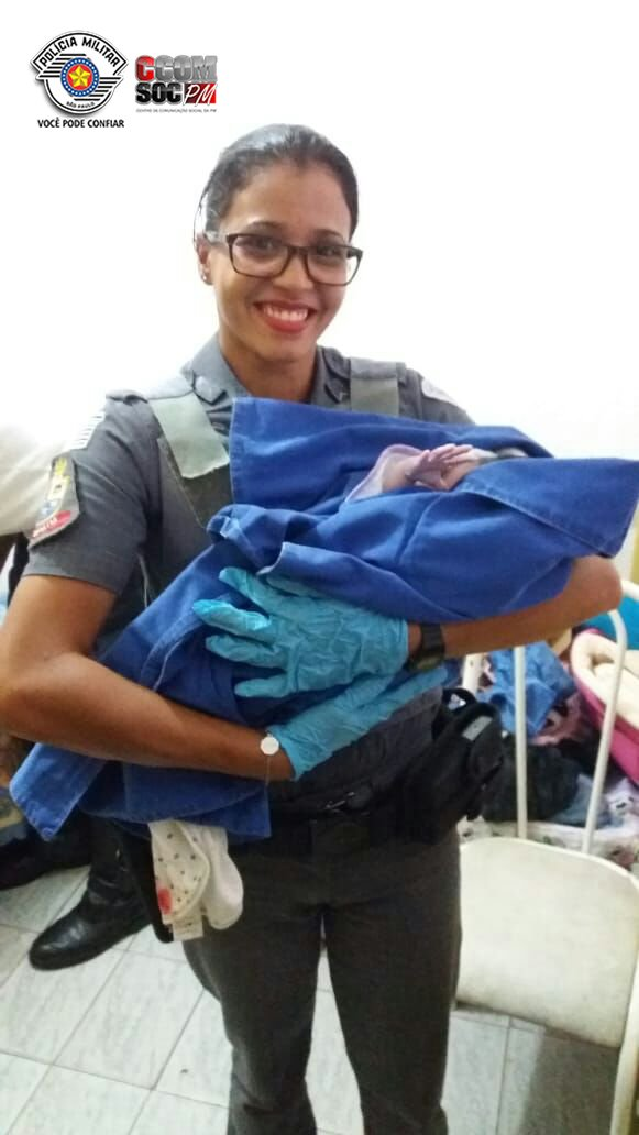 Em Diadema, Policiais Militares auxiliam gestante e mais um bebê vem ao mundo. Confira: https://t.co/2x1ziJGvHC