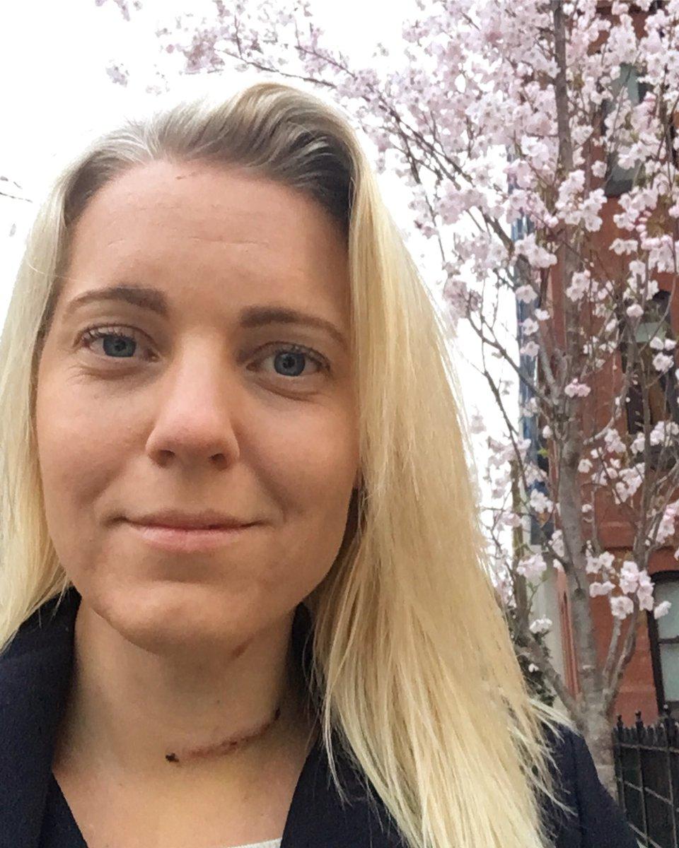 Carina Bergfeldt On Twitter Hade Diskussion Idag Med Tva Vanner Om Arret Pa Teve Bada Sa Tack Det Drar Till Sig For Mycket Uppmarksamhet Men Jag Tycker Om Det Tycker Att Det