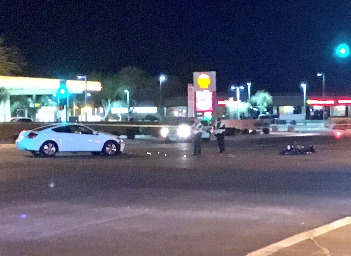 Robert Hernandez On Twitter Phoenix PD Investigating A Bad Car Vs Motorcycle Accident At 19th Ave Union Hills Intersection Is Closed In All Directions