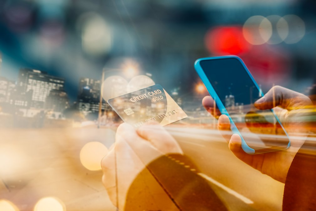 How #ecommerce & smartphones are changing the way we shop: https://t.co/rMVDUhzJ45 #GrowthMarkets https://t.co/aYe1AcqECl