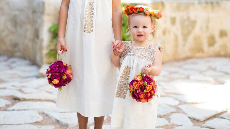 56e89ba0685 10 Creative Ways To Make Your Flower Girl Stand Out   https   trib.al EAveEsb pic.twitter.com 5UAnxn4SfT