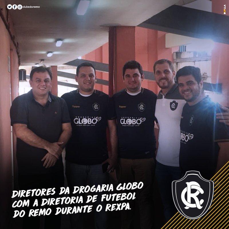 d37911fd01 ... com a estreia da nova camisa azulina já com o logo da drogaria.   ClubedoRemo  DrogariaGlobo  Remo  Leão  NovoPatrocinador  pic.twitter.com ld0Z4yFRKO