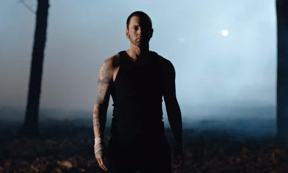 Eminem fait renaître Slim Shady dans le...