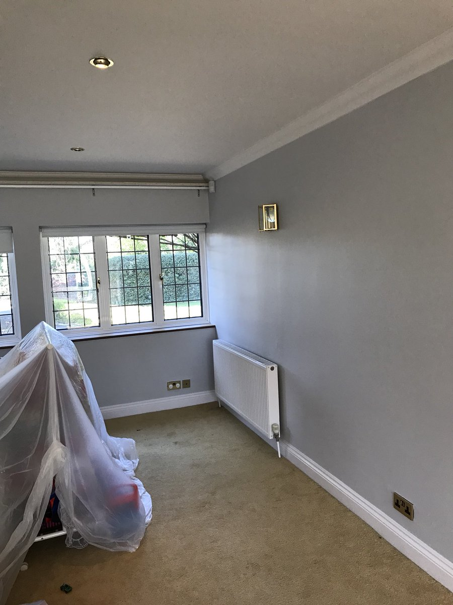 Sunshine Decorating On Twitter Job Finished In Crown Sail White And Dulux Polished Pebble Grey Is Still A Popular Choice Sunshine Pd Duluxuk Farrowandball Painteranddecorator Decorating Paints Grey Interiors Https T Co F8olm31dxo