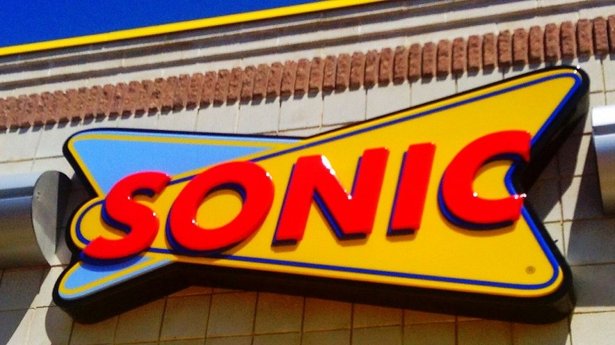 Sonic puts up sign asking customers to stop smoking weed in drive-thru https://t.co/xCIxEAfnPi