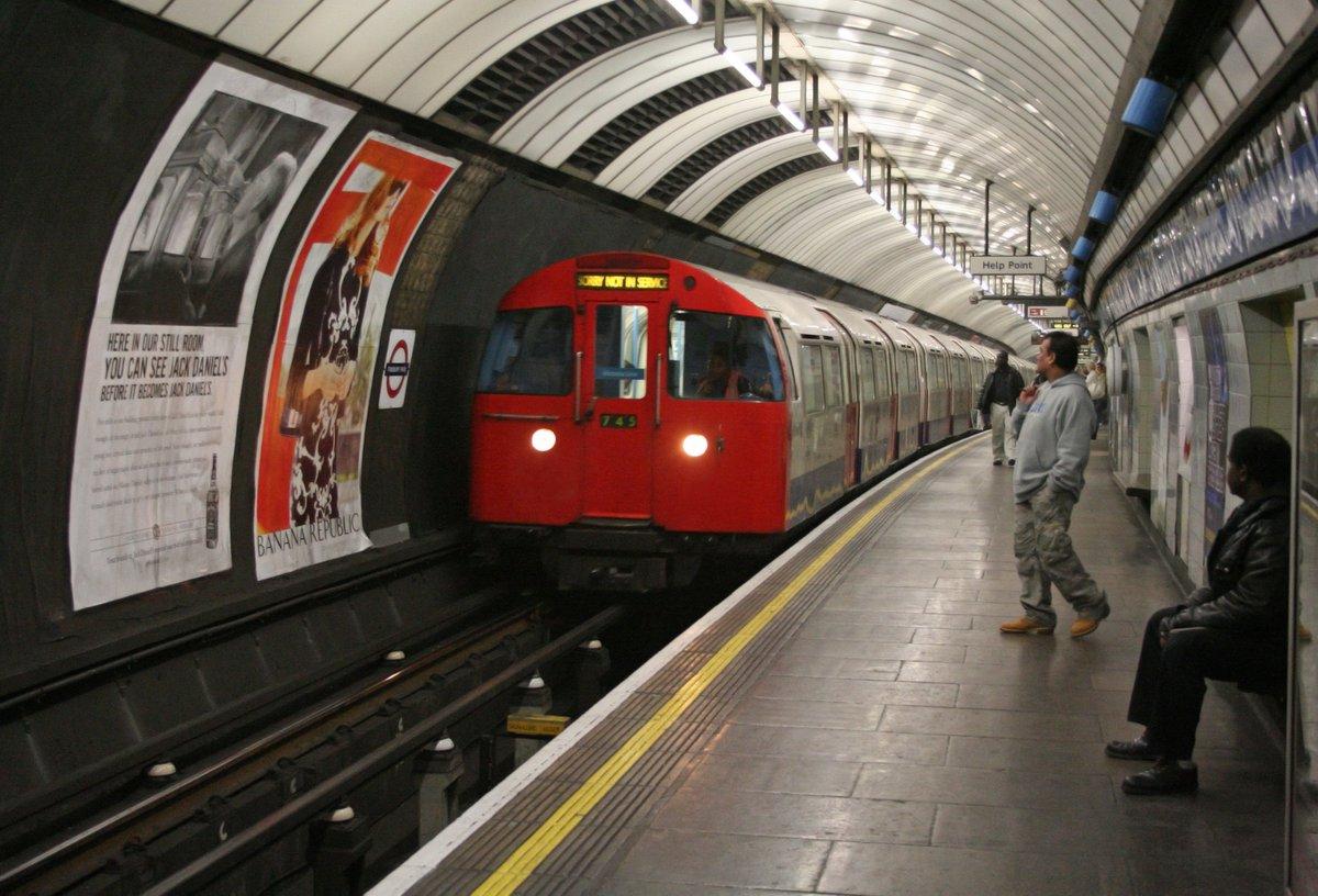 DZ4vYUCX0AECVfp - The Victoria Line's really big 50th birthday! #2