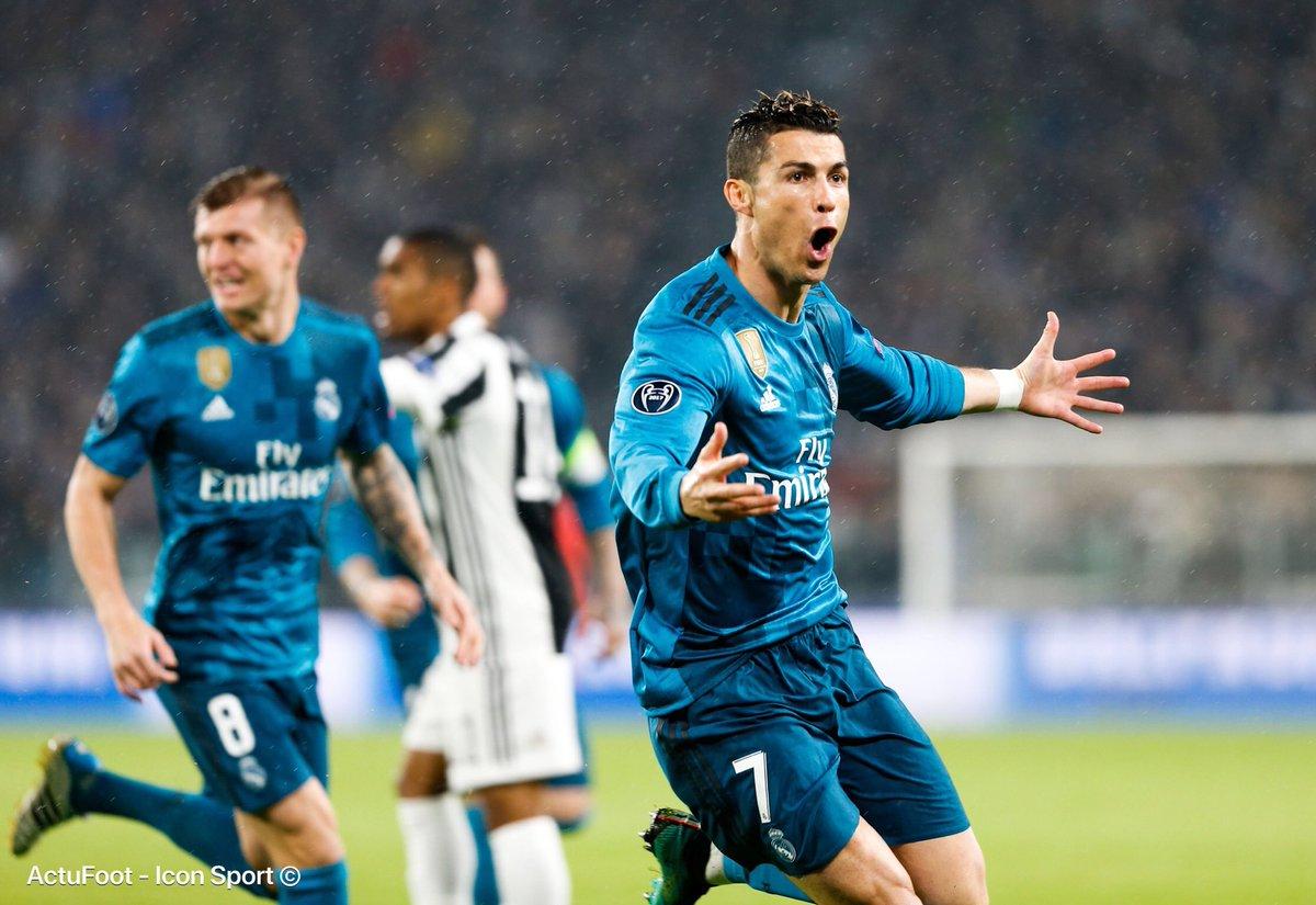 Buffon : «Cristiano Ronaldo est un champion d'un niveau extraordinaire. Avec Messi, il est le seul à être capable de faire basculer ce genre de rencontres en sa faveur. On peut le comparer à Maradona ou Pelé.»