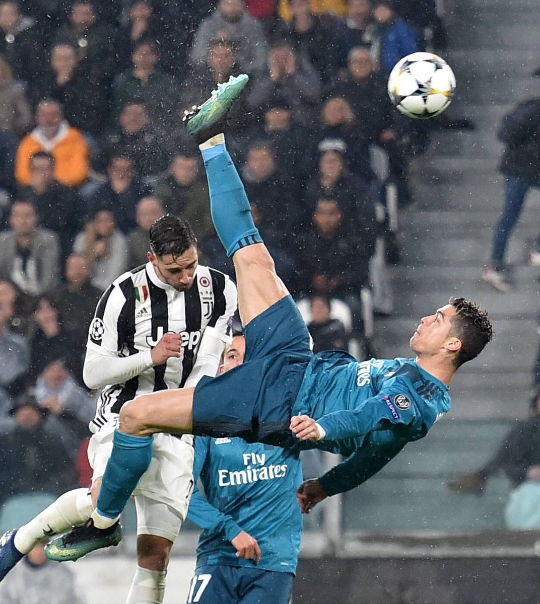 Sporf On Twitter Quote Zlatan Ibrahimovic On Cristiano Ronaldo S Bicycle Kick It Was A Nice Goal But He Should Try It From 40 Meters Https T Co Cdzcgvgvw7