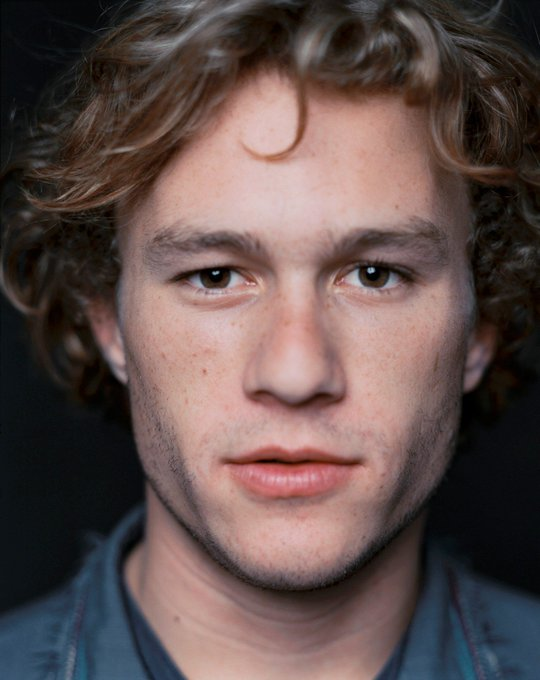 Happy Birthday to a talented actor gone too soon, Heath Ledger (R.I.P). Today he would have turned 39.