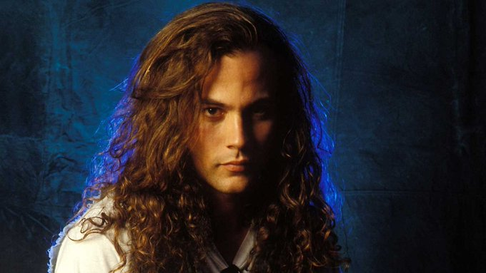 Happy birthday to Mike Starr of Alice in Chains. We miss you friend!