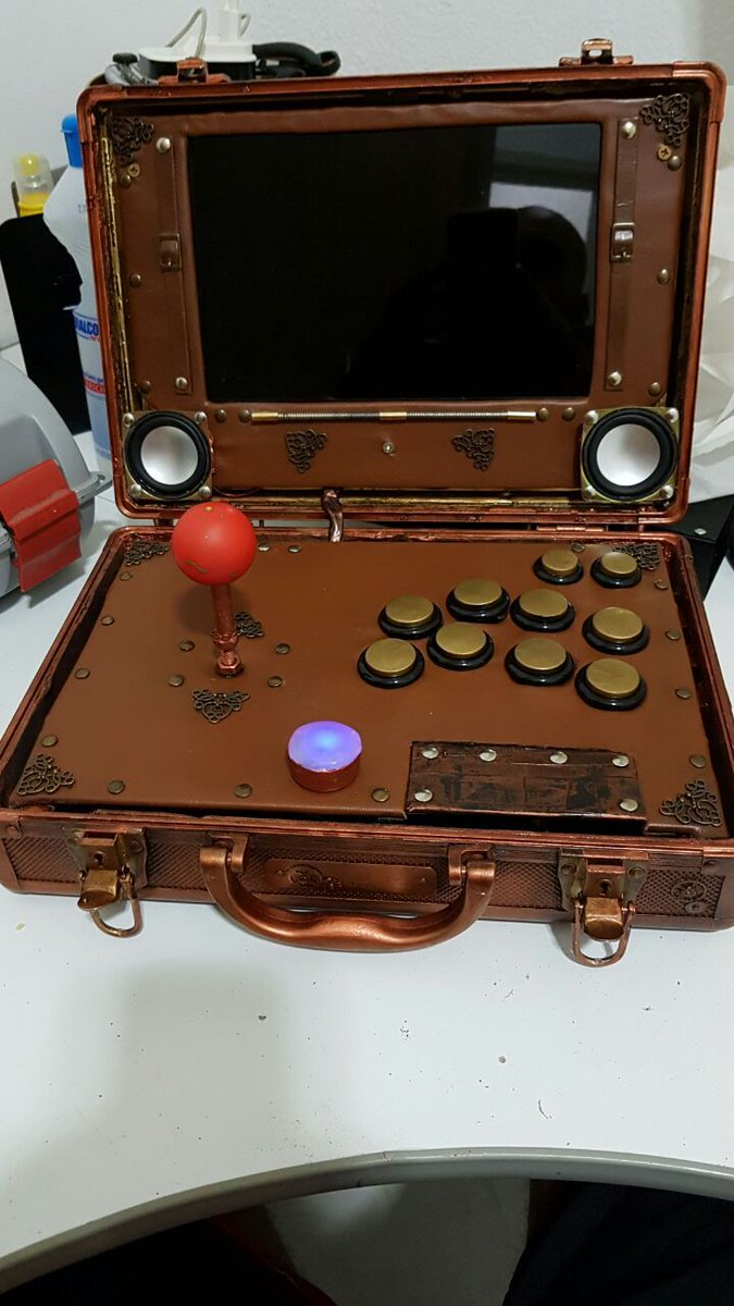 #Geek Awesome of the Day: #Steampunk #Arcade Suitcase with Joystick and Buttons via @masonartsco #SamaGames #SamaGeek