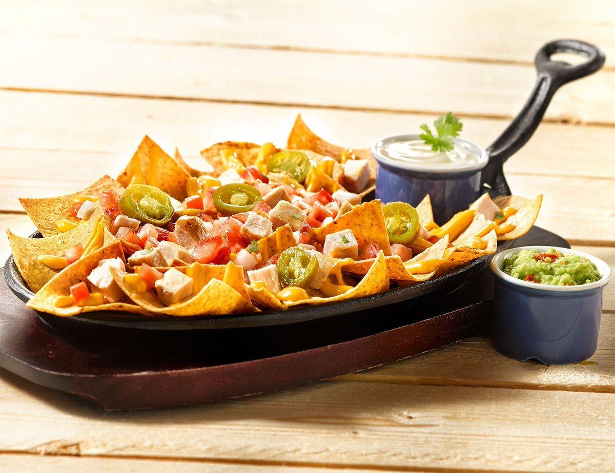 We gonna give you the nachos you deserve! #nachos #foodporn #food #WednesdayChill #foodlover https://t.co/aKkMAePVmF