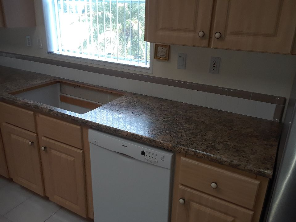 Take A Look At Our New Wilsonart Bella Capri High Definition Countertops With Amazing Crescent Edge Finish Https T Co Kuspuuto6p