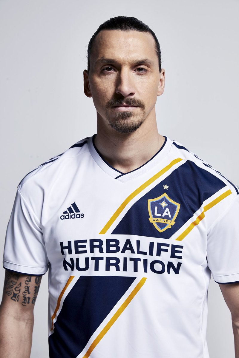 newest 8395f 7a4ef Zlatan Ibrahimović on Twitter: