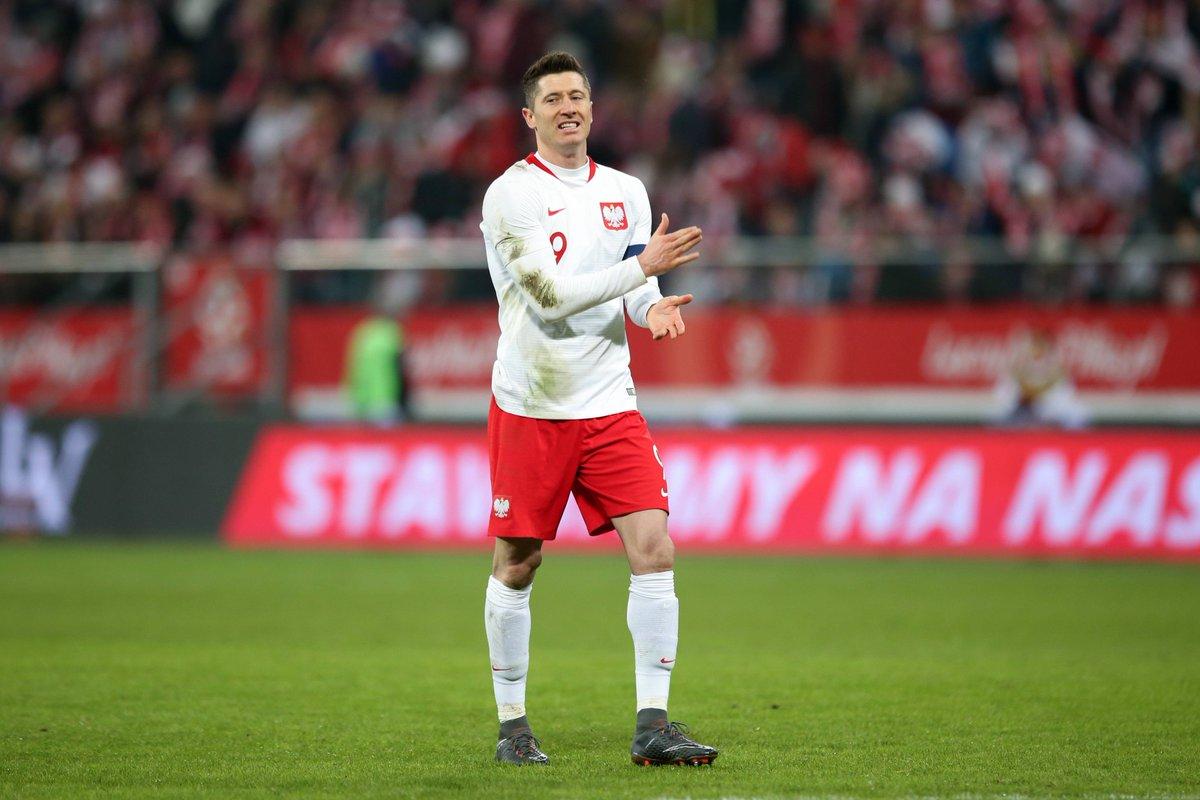 🇵🇱🆚🇳🇬 0:1  @lewy_official verliert mit Polen gegen Nigeria. Kopf hoch, Lewy! #POLNGA #MiaSanMia