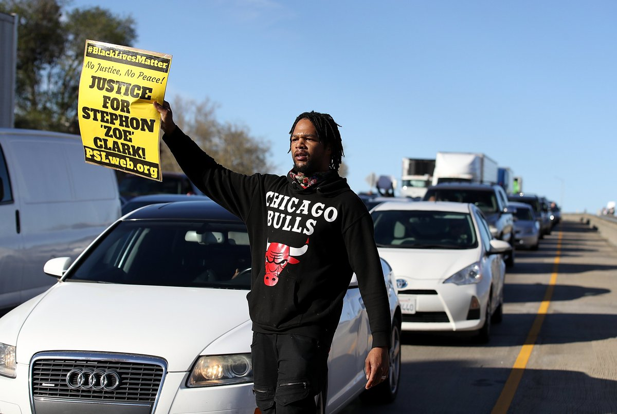 #StephonClark: While Activists Take to the State Capitol, NBA Player Offers to Pay For Funeral https://t.co/eDDRcHy8il